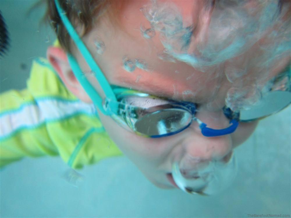 Underwater Pool Bubbles Canon D20 Waterproof Camera Sample Photo