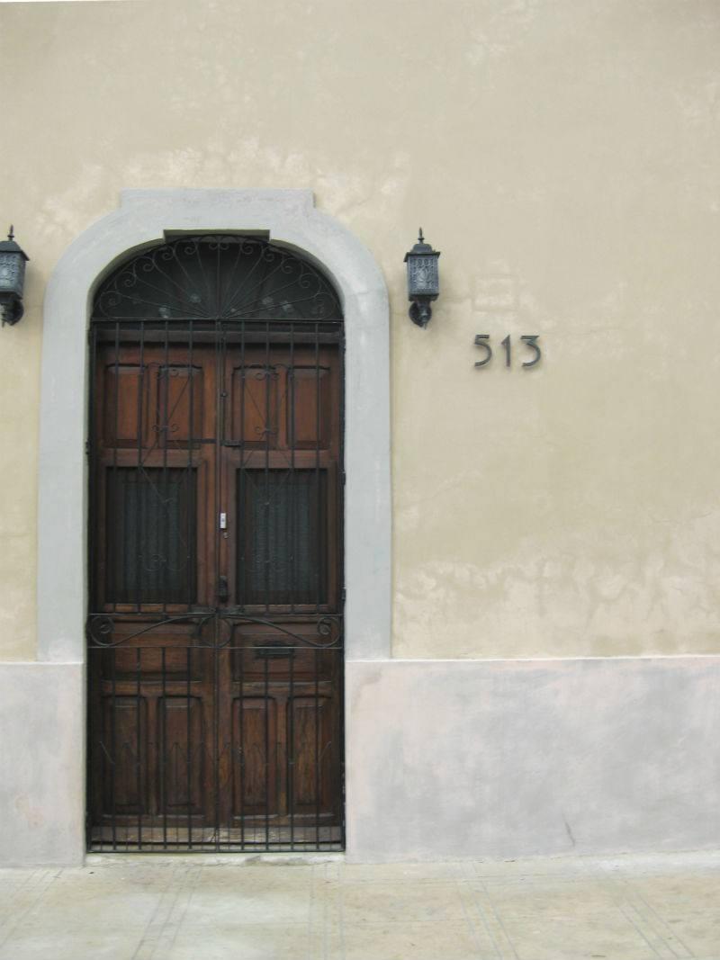 Merida Puerto Colonial doorway