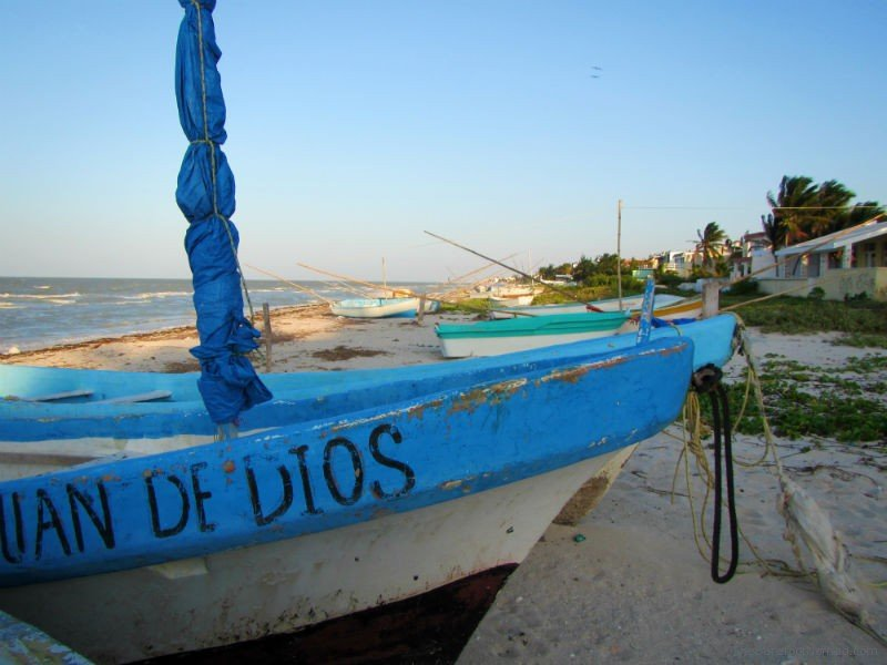 Fishing boat east of Progreso