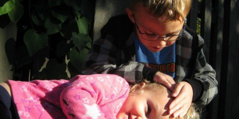 Travel photo tips with children