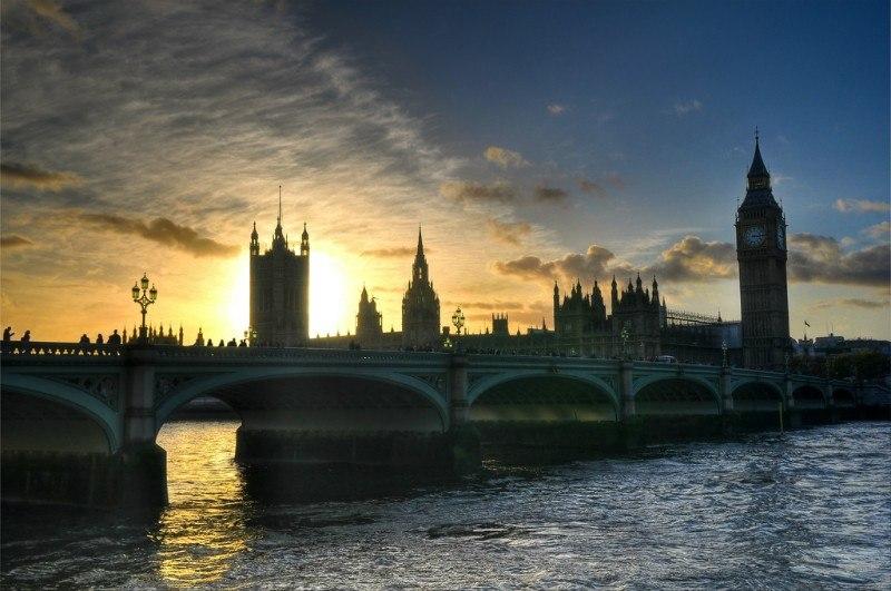 London by Greg Knapp