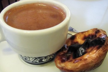 Pasteis De Belem with hot chocolate