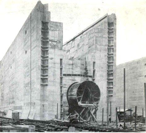 Construction of the Panama Canal circa 1910 Photo by Wikimedia Commons