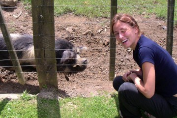 Micki and the Polynesian Pig