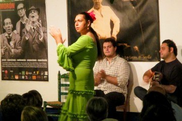 Flamenco dancing at La Carboneria in Sevilla