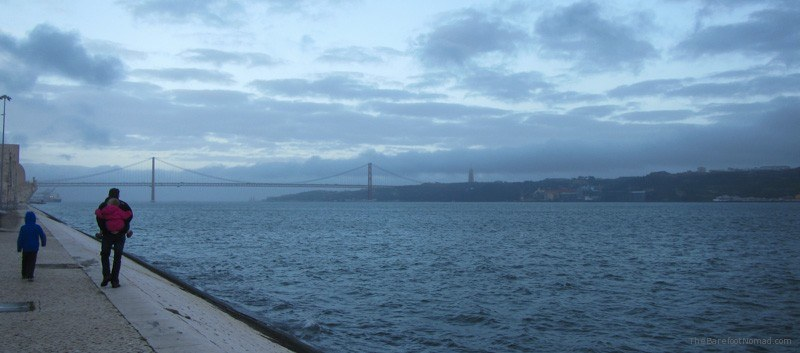 A cloudy day on the Tagus River