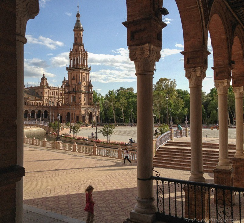 Peeking out at the Plaza de Espana