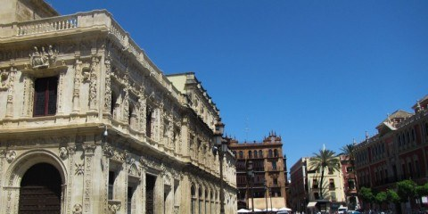 The wide streets of Seville
