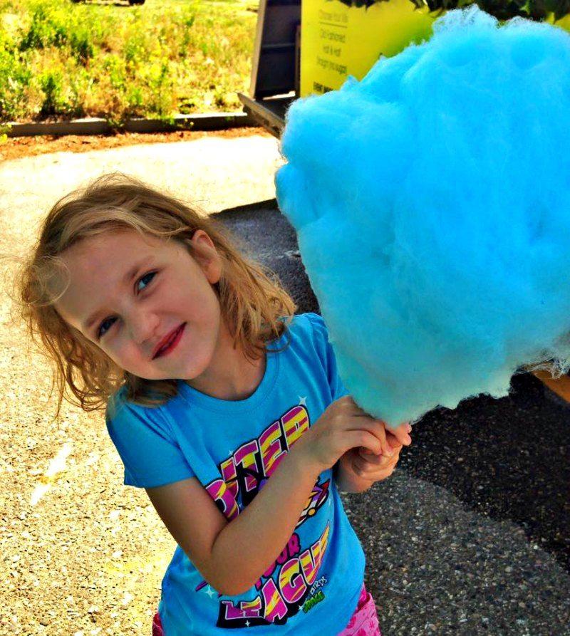 kelowna farmers market cotton candy