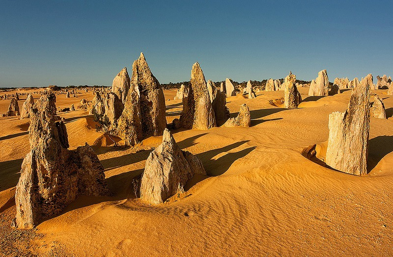 Pinnacles Desert. Photo by Jakub Michankow