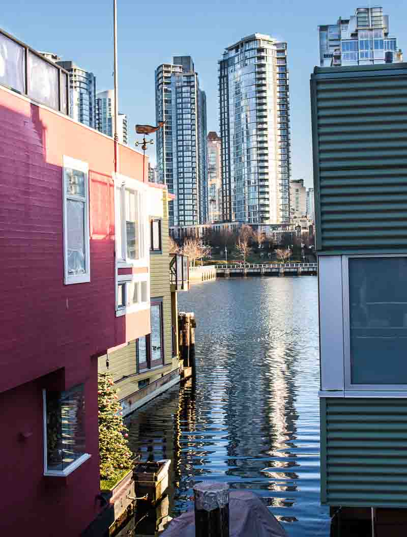The best of what to do, see and eat in Vancouver, Canada. Floating Home on Granville Island with View of Downtown Vancouver
