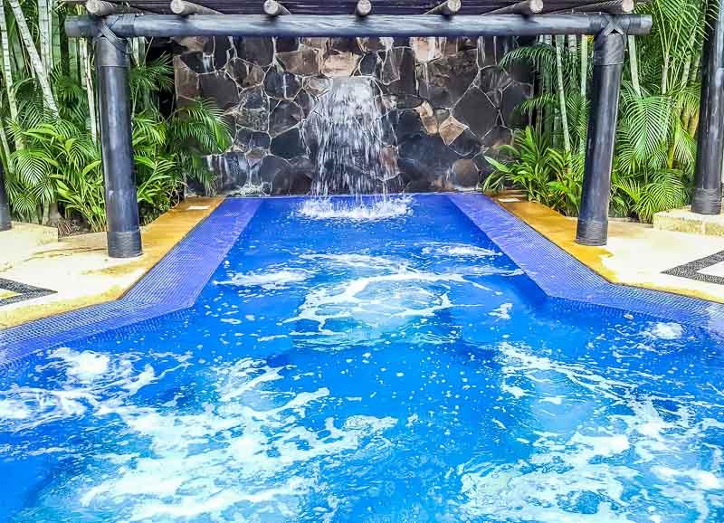 Marival Luxury Resort and Residences Jacuzzi