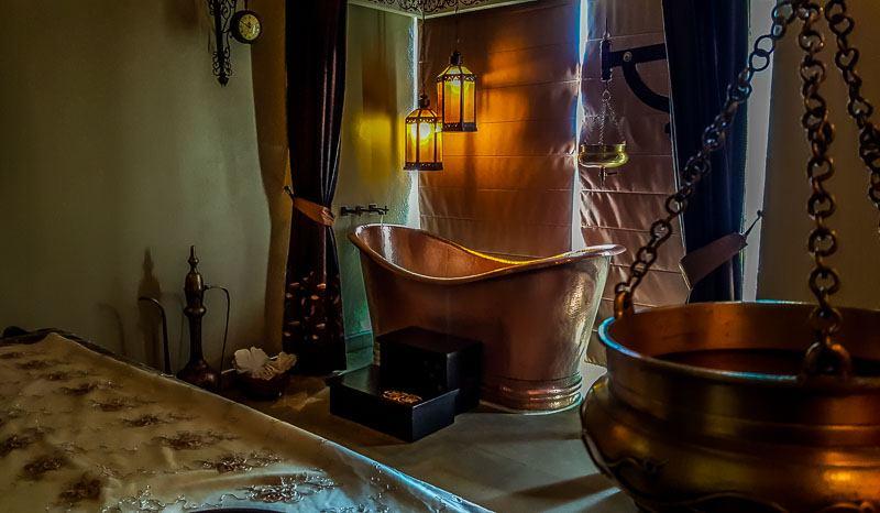 Melange World Spa India Shirodhara Experience