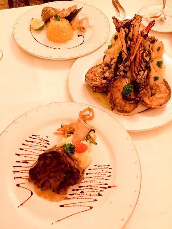 ocean-blue-and-sand-blue-moon-restaurant