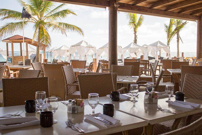 ocean-blue-and-sand-privilege-restaurant