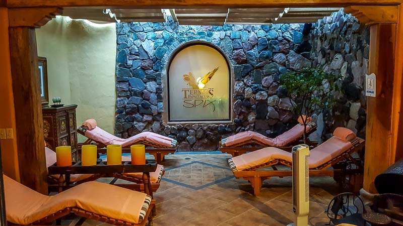 Spa Termas Papallacta lounging area