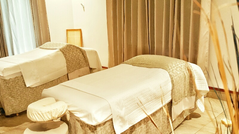 Spa massage beds Victoria House Belize