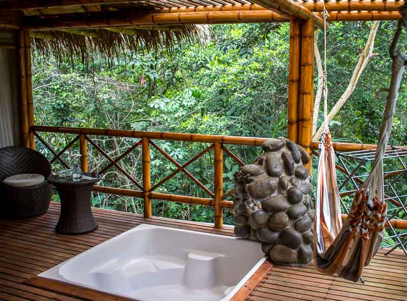 La Selva ecoLodge tub in deck