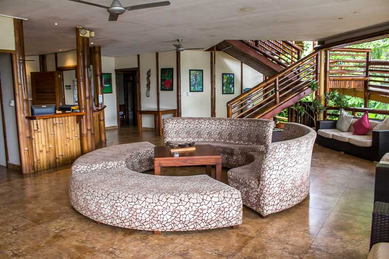 La Selva Lodge front desk and lounge