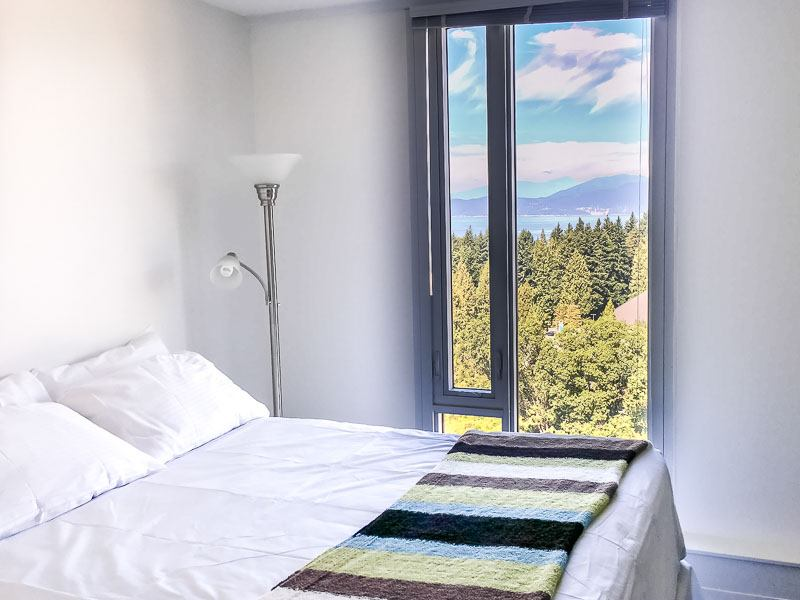 Studio suite at Ponderosa Residence with kitchenette and a view