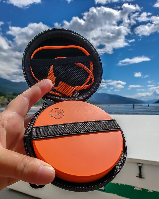 Skyroam Solis in case with charging cable
