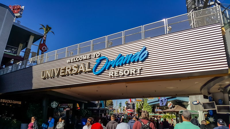 Welcome to Universal Orlando Resort sign