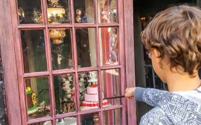 The Wizarding World of Harry Potter interactive wand at Madam Puddifoots window