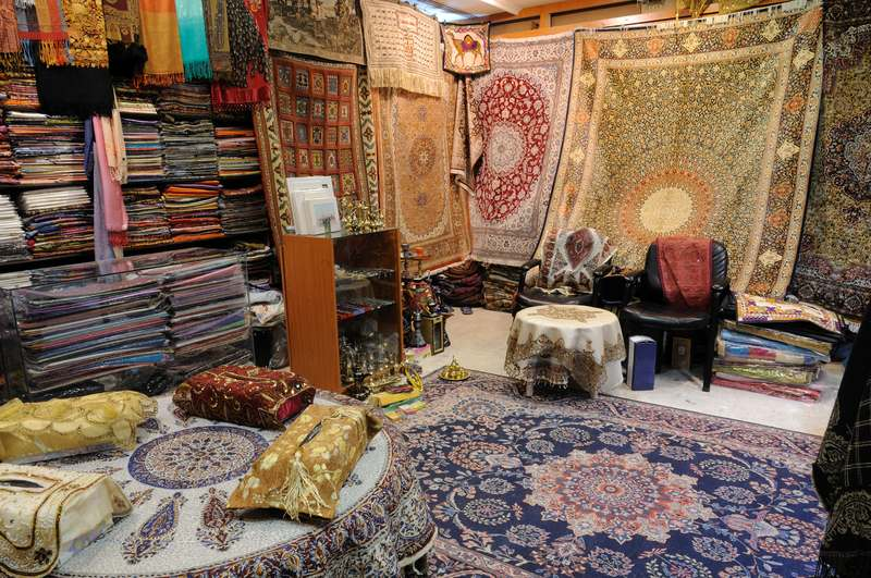 Shop with Traditional Arabic Products and rugs in Dubai UAE
