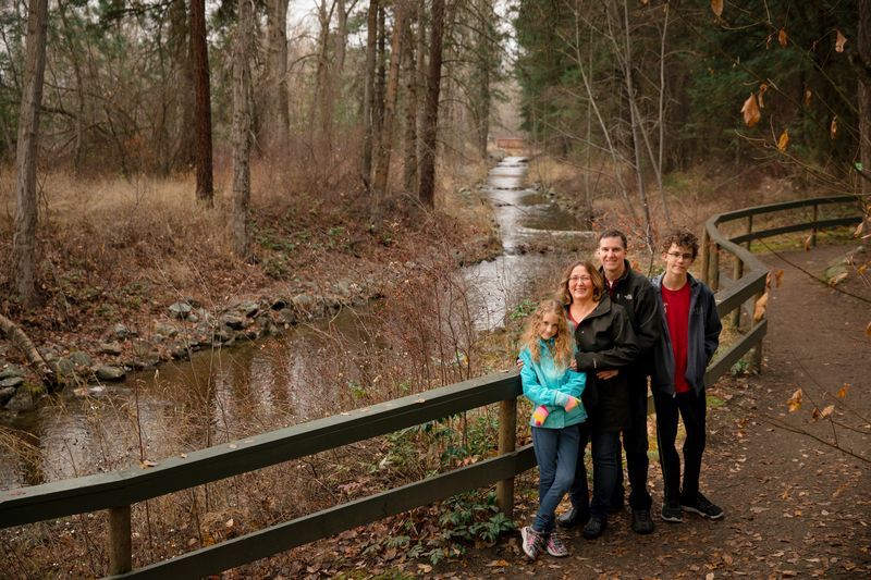 Family portrait in the woods with Localgrapher
